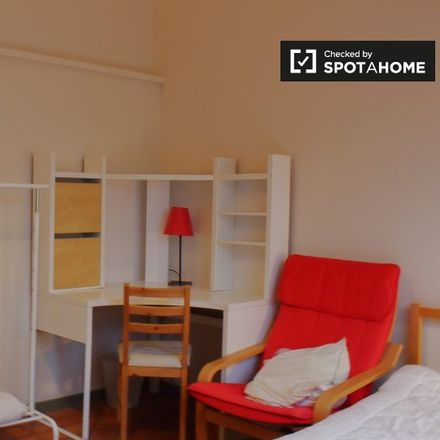 Rent this 3 bed apartment on Rue Limauge - Limaugestraat 19 in 1050 Ixelles - Elsene, Belgium