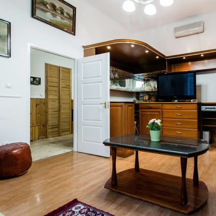 Rent this 4 bed room on Budapest in Erkel utca 4, 1093