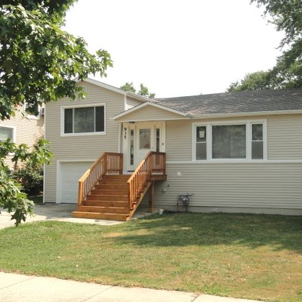 Rent this 4 bed house on 935 South Lombard Avenue in Lombard, IL 60148