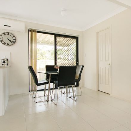 Rent this 3 bed townhouse on 48/8 Milan Street