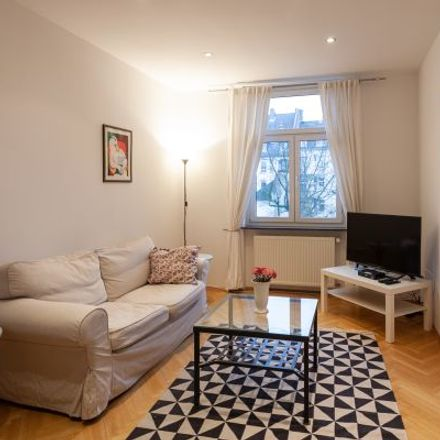 Rent this 2 bed apartment on Hattsteiner Straße 7 in 60489 Frankfurt, Germany