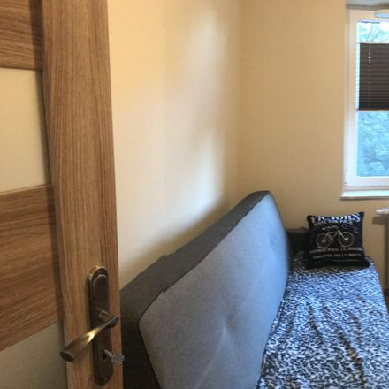 Rent this 2 bed room on Dobrego Pasterza in 31-408 Krakow, Poland