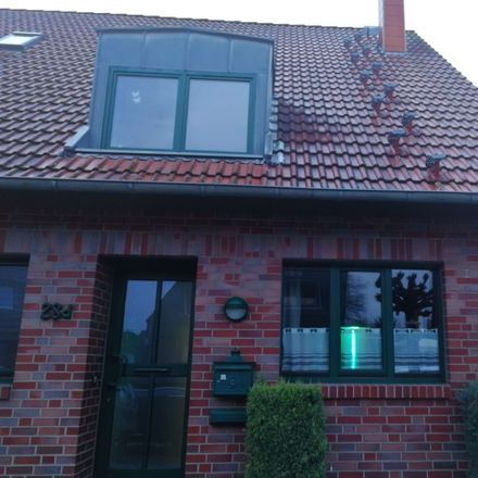 Rent this 4 bed duplex on Schroersdyk 28d in 47803 Krefeld, Germany