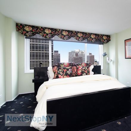 Rent this 1 bed condo on E 54 St in New York, NY