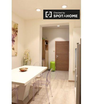 Rent this 2 bed apartment on Avenue d'Auderghem - Oudergemlaan 316 in 1040 Etterbeek, Belgium