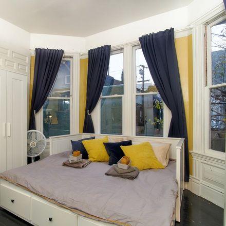 Rent this 1 bed apartment on Jodo Shinshu Center in Fulton Street, Berkeley