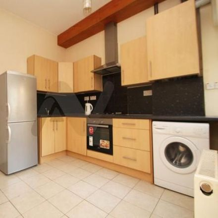 Rent this 3 bed apartment on Parkland Walk in London N4 4LP, United Kingdom