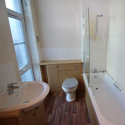 Rent this 1 bed apartment on Tracy J's Hair Studio in Victoria Road, Darlington DL1 5SF