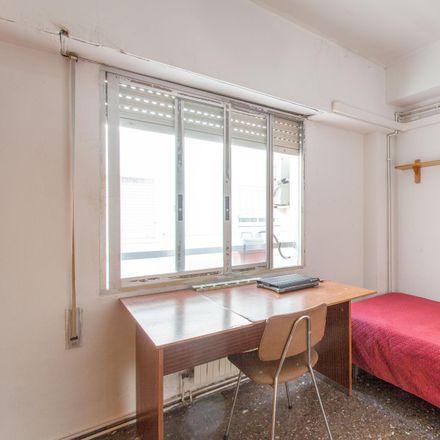 Rent this 4 bed room on LaBea in Carrer de l'Impressor Lambert Palmart, 6
