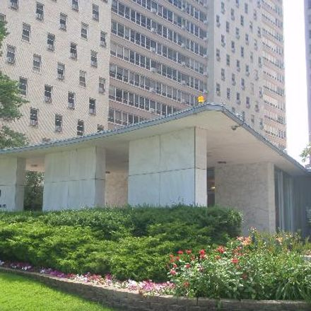 Rent this 2 bed condo on 3950 North Lake Shore Drive in Chicago, IL 60613