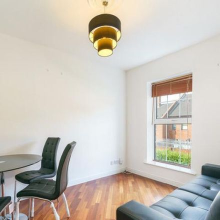 Rent this 3 bed apartment on Custom Hall Block 3 (69-108) in Gardiner Street Lower, Mountjoy A ED