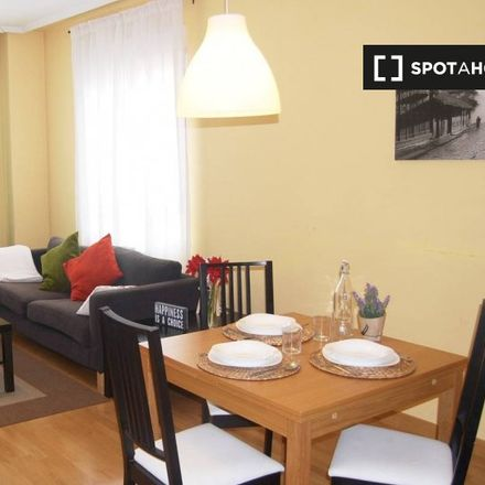 Rent this 1 bed apartment on 5 Reinas in Calle de Población de Campos, 28001 Madrid