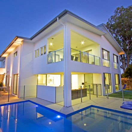 Rent this 4 bed house on 87 Botanical Circuit