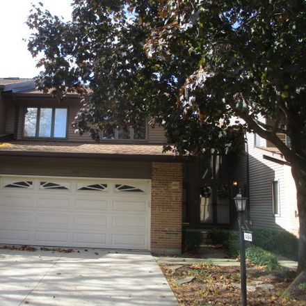 Rent this 3 bed townhouse on 1454 North Picadilly Circle in Mount Prospect, IL 60056