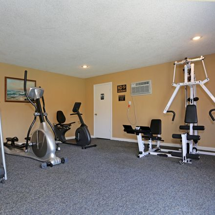 Rent this 1 bed apartment on Sacramento Executive Airport in Freeport Boulevard, Sacramento