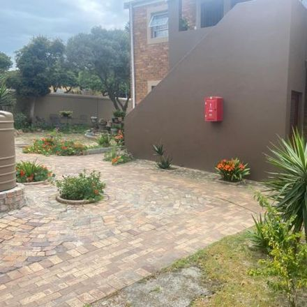 Rent this 1 bed apartment on Plataan Street in Vredekloof, Western Cape