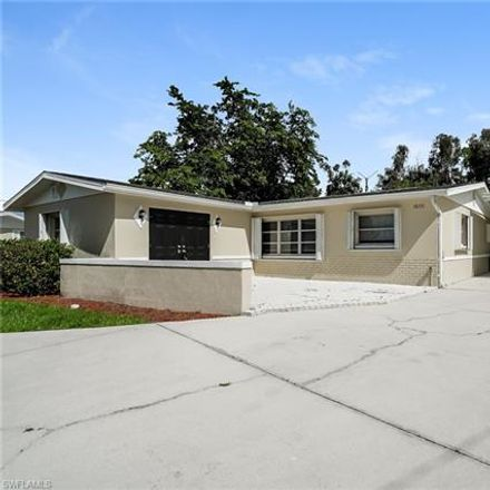 Rent this 3 bed house on Iris Rd in Naples, FL