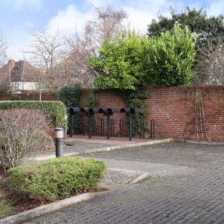 Rent this 2 bed apartment on Berkhampstead School in Hewlett Road, Cheltenham GL52 2QA