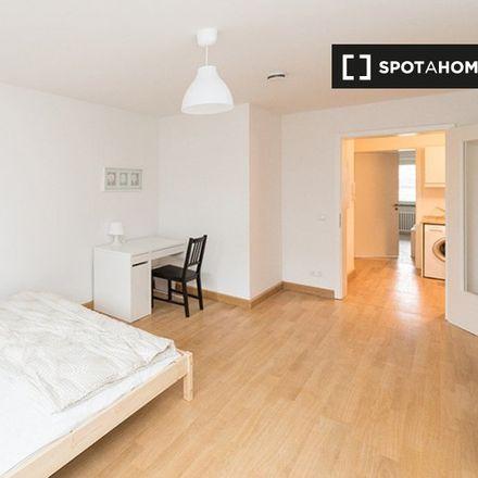 Rent this 3 bed room on Schulverbund München in Kohlstraße 5, 80469 Munich