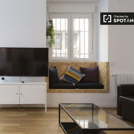 Rent this 2 bed apartment on Lope de Vega (Good value restaurant) in Calle de Lope de Vega, 28001 Madrid