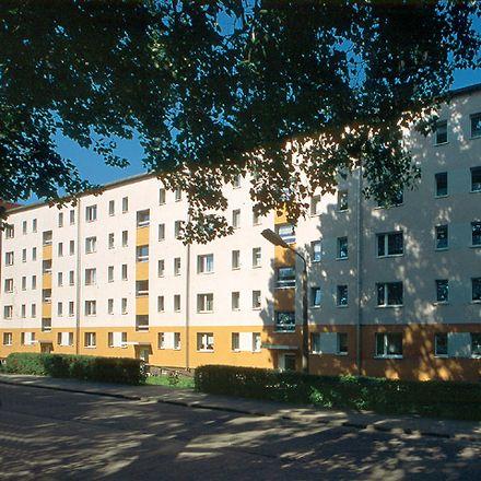 Rent this 2 bed apartment on Neustrelitzer Straße 104 in 17033 Neubrandenburg, Germany