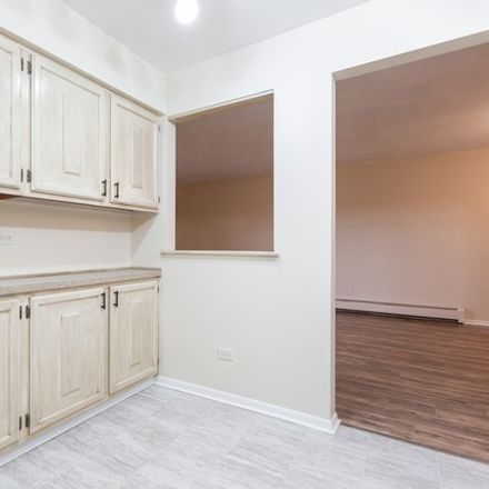 Rent this 2 bed townhouse on 20 Parkside Court in Vernon Hills, IL 60061