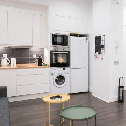 Rent this 0 bed apartment on Ministerio de Educación in Paseo del Prado, 28