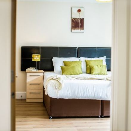 Rent this 3 bed apartment on London & Zurich in Edward Street, Birmingham B1 2RX
