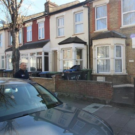 Rent this 3 bed house on Forest Road in London N9 8RX, United Kingdom