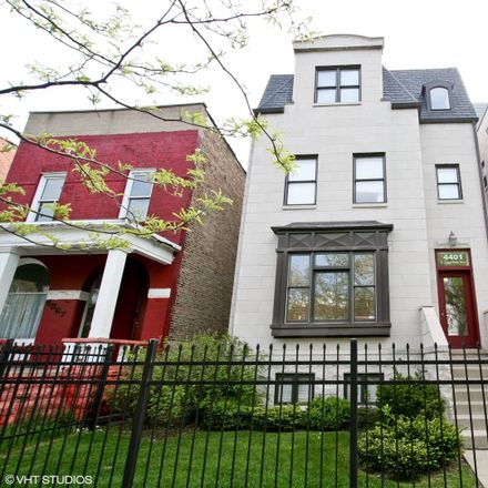 Rent this 4 bed condo on South Lake Park Avenue in Chicago, IL 60653