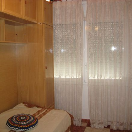 Rent this 3 bed room on Avinguda de Salou in 43205 Reus, Tarragona