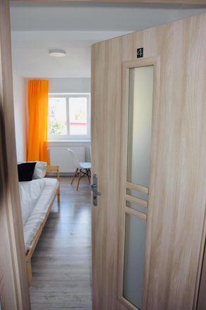Rent this 3 bed room on Gdańska 46 in 90-730 Łódź, Polonia