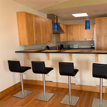 Rent this 3 bed house on Highland Avenue in Manhattan Beach, CA 90266