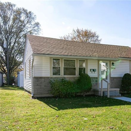 Rent this 2 bed house on 1627 Comer Avenue in Indianapolis, IN 46203