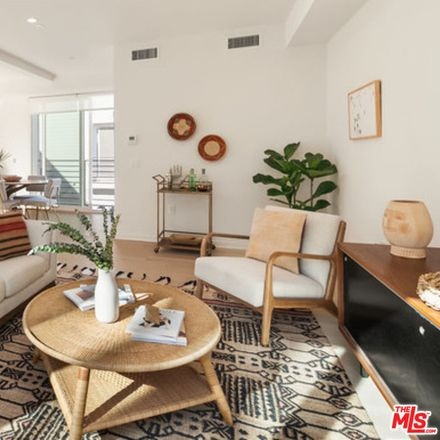 Rent this 3 bed apartment on 1925 Griffith Park Boulevard in Los Angeles, CA 90039
