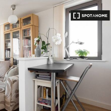 Rent this 1 bed apartment on Shadwell DLR in Shadwell Place, London E1 2QB