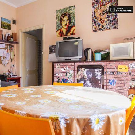 Rent this 3 bed room on Via dei Crispolti