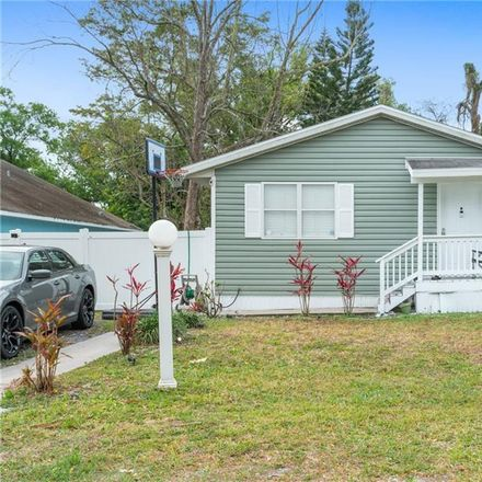Rent this 3 bed house on 714 19th Street in Orlando, FL 32805