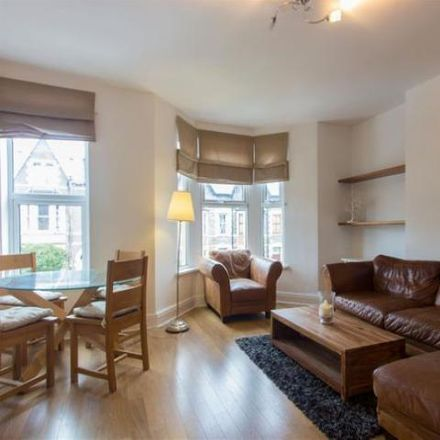 Rent this 3 bed apartment on 95 King's Road in Cardiff CF, United Kingdom