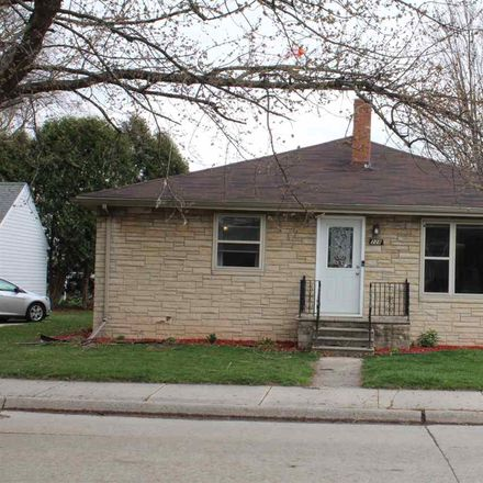Rent this 3 bed house on 228 North Oneida Street in Green Bay, WI 54303