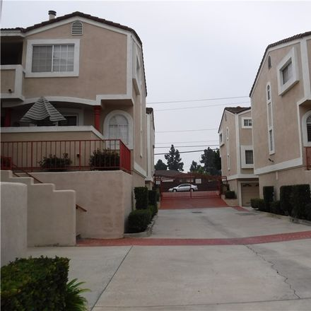 Rent this 2 bed condo on 1639 East 68th Street in Long Beach, CA 90805