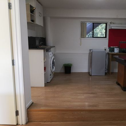 Rent this 1 bed house on Kaipatiki in Highbury, AUCKLAND