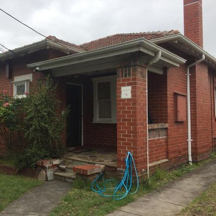 Rent this 3 bed house on 4 Rangeview Avenue