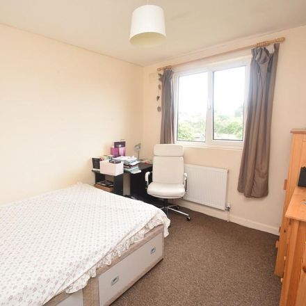 Rent this 3 bed house on Bubbles Launderette in Killigrew Street, Falmouth TR11 3PR