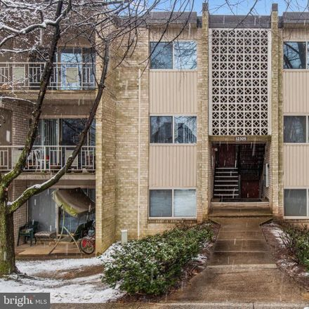 Rent this 3 bed condo on Braxfield Ct in Rockville, MD