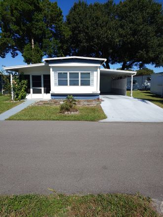 Rent this 2 bed townhouse on 38537 Lansing Avenue in Zephyrhills, FL 33542