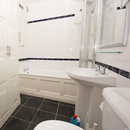 Rent this 3 bed apartment on 17 Elmdale Road in Bristol BS8 1SF, United Kingdom