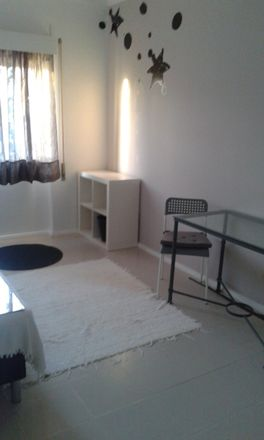 Rent this 2 bed room on R. Cidade de Abrantes in 2500 Caldas da Rainha, Portugal