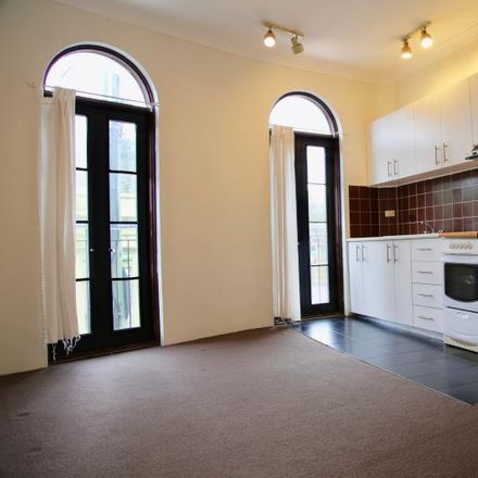 Rent this 1 bed apartment on 10A/2-16 Glenmore Road