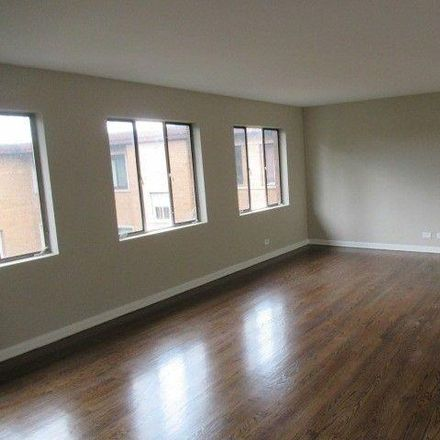 Rent this 2 bed condo on 7349-7355 North Ridge Boulevard in Chicago, IL 60645